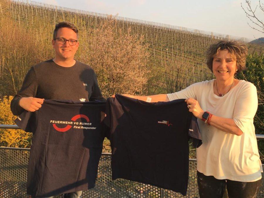 Neue T-Shirts für die First Responder der Verbandsgemeinde Ruwer.